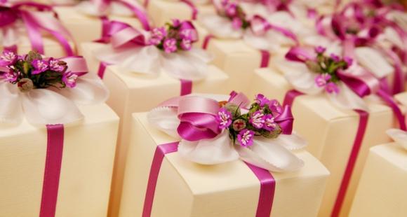 unique wedding favours ideas